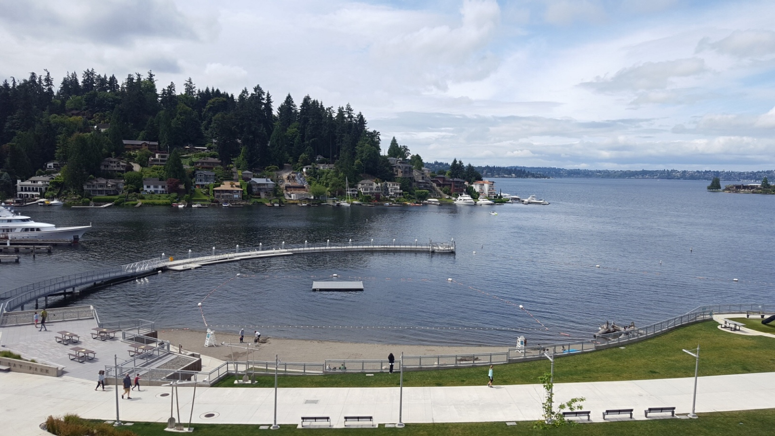 Meydenbauer Bay Park sand and swim beach in Bellevue, WA